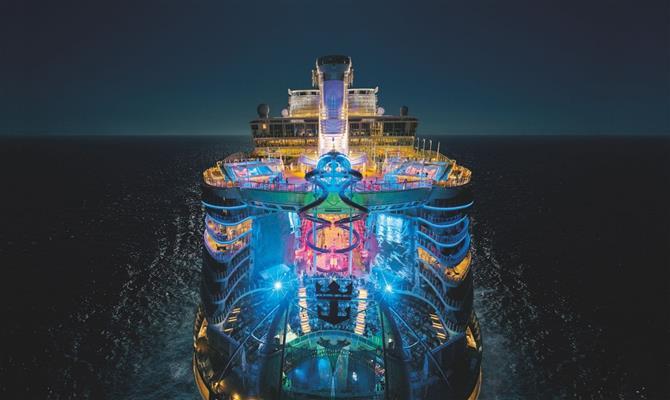 Maior navio de cruzeiros do mundo é entregue;detalhes